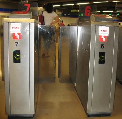 Contradicción en el metro I